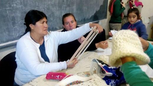 """""""Encuentro de Hilanderas CEPT Cañuelas y Payró en Facultad de ciencias Agrarias y Forestales """""""