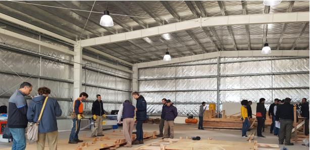 Segundo curso de oficio de armadores de piezas partes de viviendas de madera