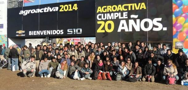 Docentes y estudiantes del curso de Mecanización Agraria asistieron a Agroactiva 2014