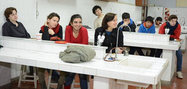 Visita de estudiantes secundarios a la Facultad