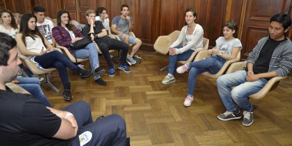 En el marco de la Expo Universidad 2014, estudiantes secundarios visitaron nuestra Facultad