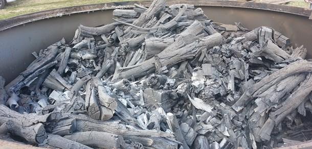 """Curso """"Elaboración de carbón vegetal en horno metálico"""
