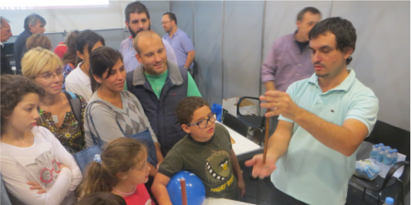 Docentes de Química representaron a la Facultad en la Feria del Libro