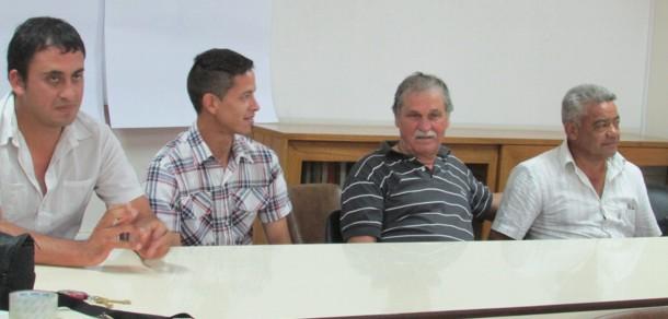 Dialogan en taller de comercialización sobre el fortalecimiento de agricultores familiares bonaerense