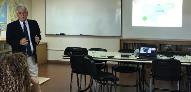 Seminario sobre bioinsumos y su regulación