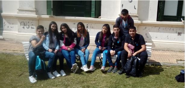Visita de estudiantes de diferentes escuelas a nuestra Facultad
